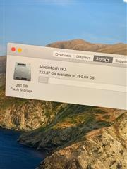 Apple Macbook Pro 15.4